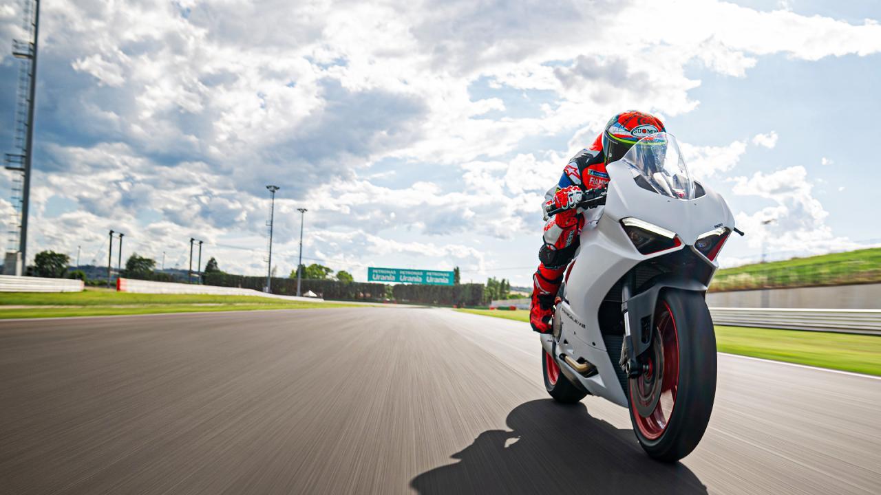 Официальный дилер мотоциклов Ducati в Москве
